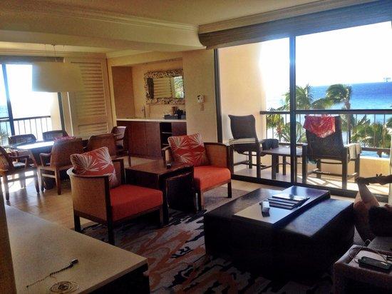 Hyatt Regency Maui Resort and Spa: One bedroom ocean front suite(newly renovated rooms) living room
