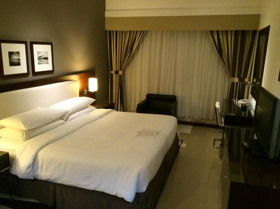 Four Points by Sheraton Sheikh Zayed Road, Dubai: Bedroom in one-bedroom suite