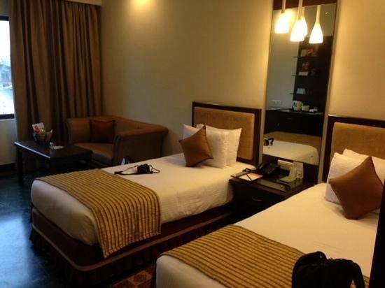 Regency Madurai by GRT Hotels : twin bedroom