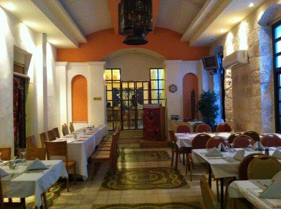 New Imperial Hotel: Ресторан в гостинице