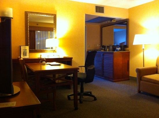 Embassy Suites by Hilton Hotel San Francisco Airport (SFO) - Waterfront : room 343 living room with all lights on