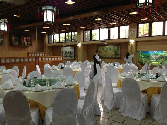 Yi-Hou: Salon amplio para eventos