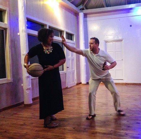 Rhodes Beach Resort Negril: Indoor Basketball?  Yes please!