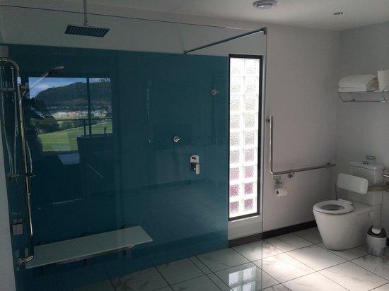 Horizon Deluxe Apartments: Studio bathroon