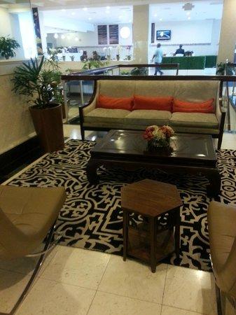 The Jamaica Pegasus Hotel: Lobby