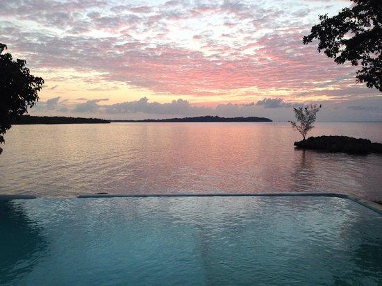 Rhodes Beach Resort Negril : Just another sunset