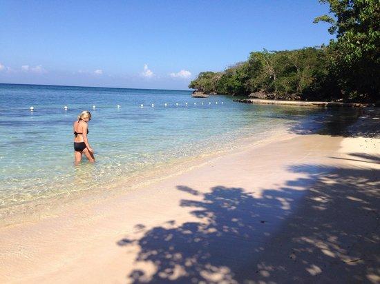 Rhodes Beach Resort Negril : Afternoon walk