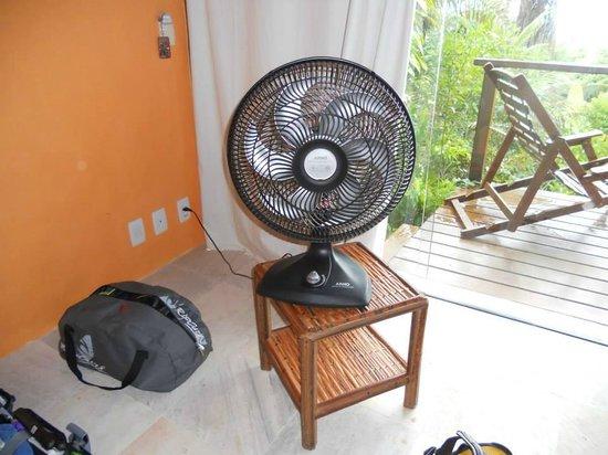 Hotel Alizees Morere: Ventilador de techo roto? Aquí, la solución para dos noches.