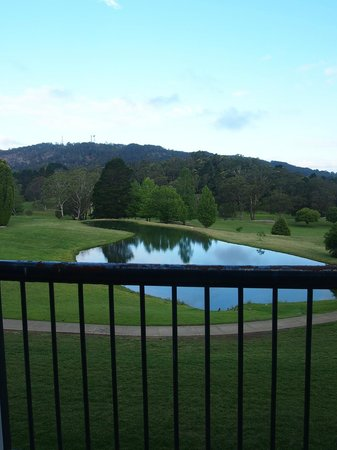Gibraltar Hotel Bowral : Rusty balcony view from 202