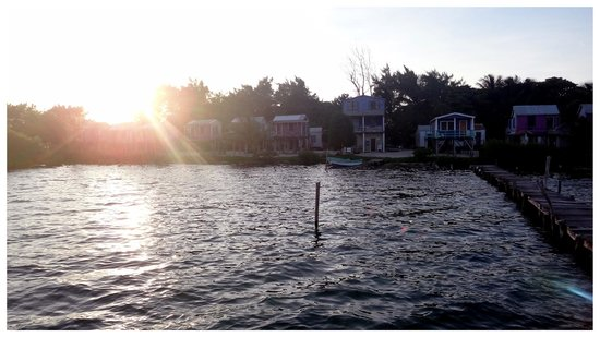 Ignacio's Cabins : Sunset from the swimming dock