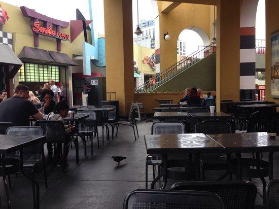 Westfield Horton Plaza : Dirty food court