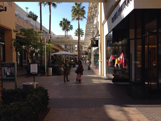 Fashion Valley Shopping Center: The mall