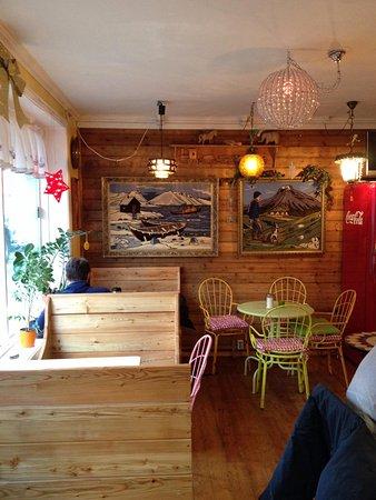 Cafe Babalu: Cute interior