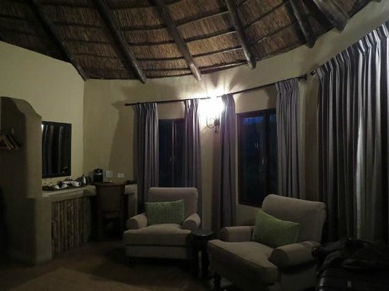 Kariega Game Reserve - All Lodges: our bedroom sitting area