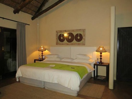 Kariega Game Reserve - All Lodges: bedroom