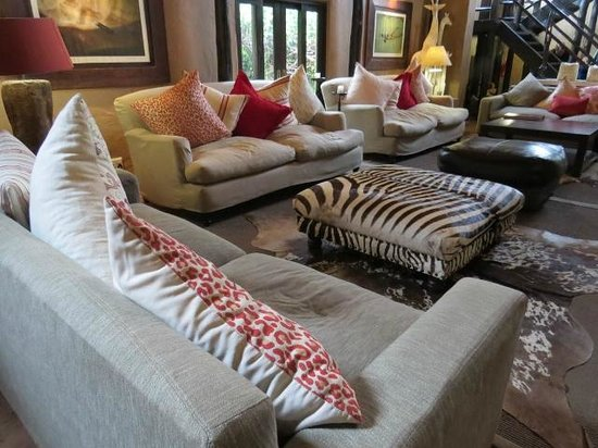 Kariega Game Reserve - All Lodges: main meeting / sitting area at River Lodge
