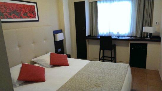 Hotel La Rotonde: Номер на двоих.