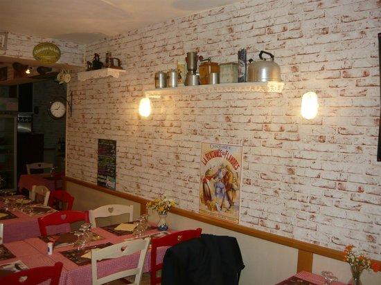 Restaurant Epicerie La Chicorée : l étagère café et chicorée