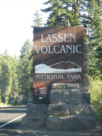 Mill Creek Falls : lassen volcanic park