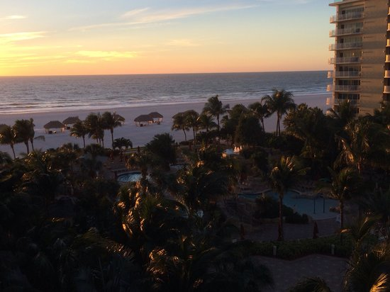 JW Marriott Marco Island Beach Resort : Sunsets from any room.