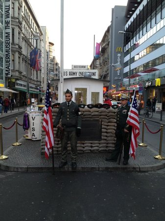 checkpoint charlie 19.01.2014
