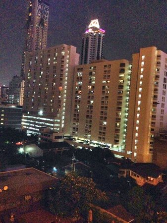 Centre Point Pratunam Hotel : view from room