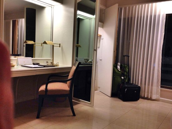 Centre Point Pratunam Hotel : room