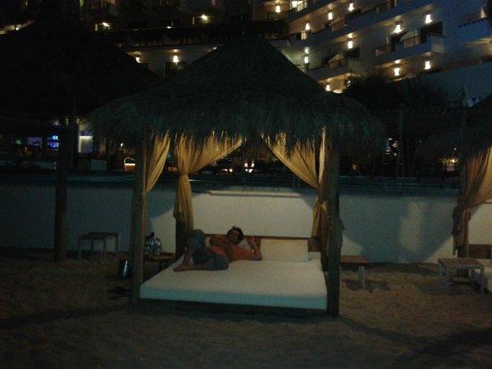 Villa Premiere Boutique Hotel & Romantic Getaway: Relajados por la noche