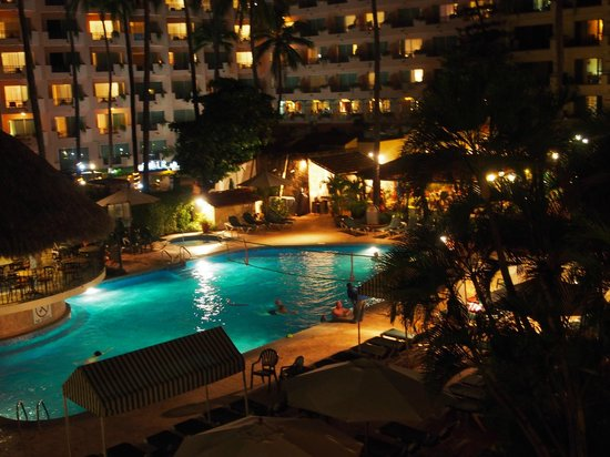 Vallarta Torre: Night view from our suite
