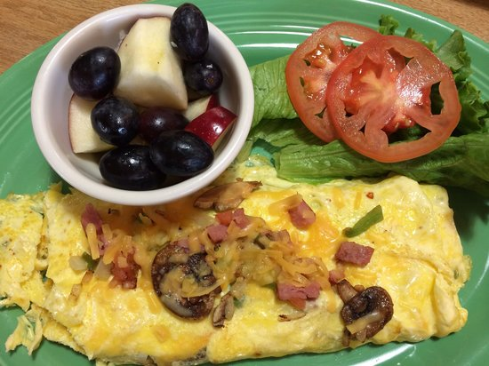 Mountain Grill: Build your own omelette.