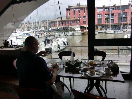 NH Collection Genova Marina : Beim Frühstück