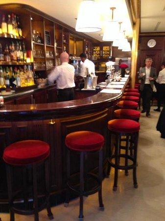 Le Castiglione : Barra del restaurante