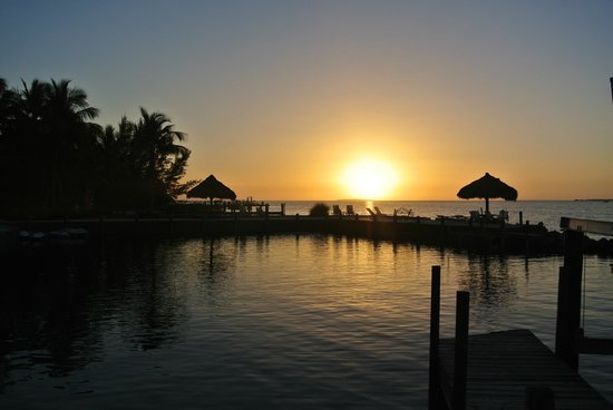 Rock Reef Resort: Dock Sunset