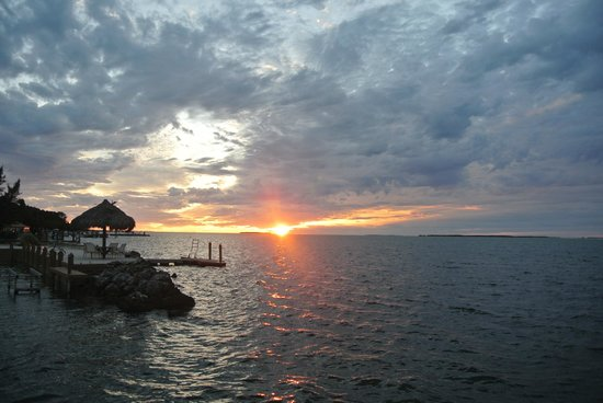 Rock Reef Resort: Great sunset even when cloudy