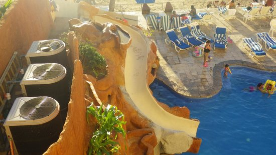 Royal Villas Resort: Pool slide
