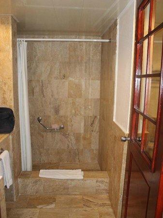 VIK Hotel Arena Blanca: Dusche