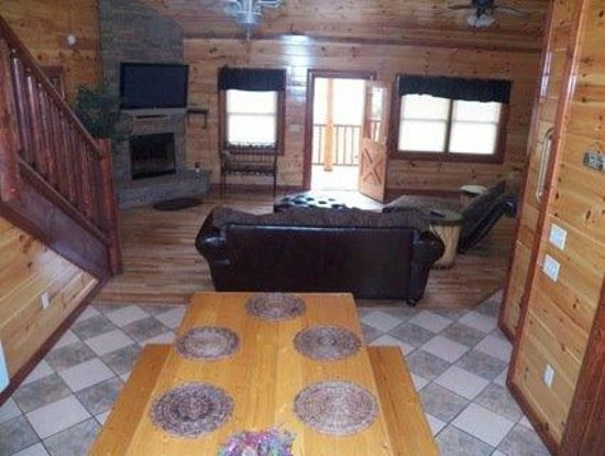 Maranatha Cabins Of Prestige: FAMILY ROOM