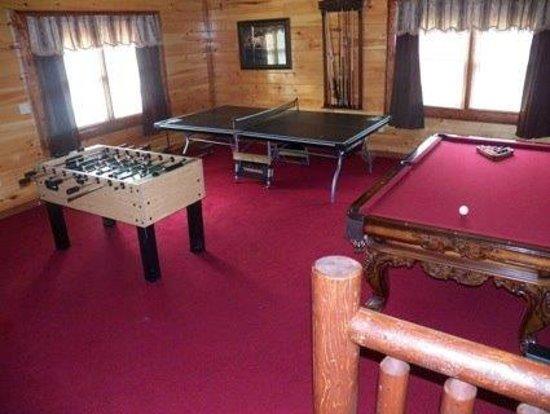 Maranatha Cabins Of Prestige: GAME ROOM