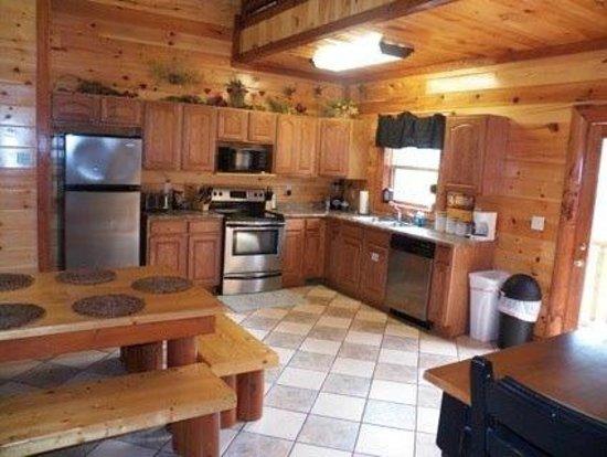 Maranatha Cabins Of Prestige: KITCHEN
