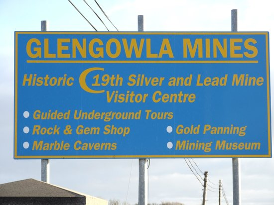 Glengowla Mines: Easy to find highway entrance