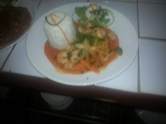 Prawns in red curry sauce 