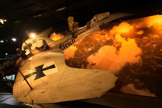 Omaka Aviation Heritage Centre: German plane diorama