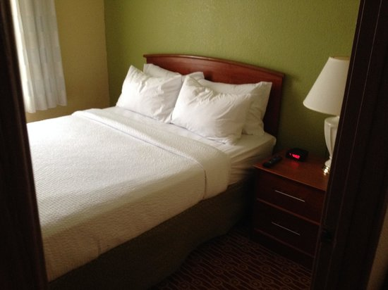 TownePlace Suites Houston Northwest: worse bed ever!