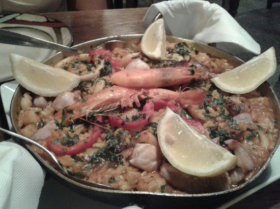 Pacharan Taberna Vasca: Paella completa para 2 personas