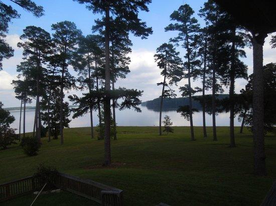 La Belle Maison Lakefront Suites: View of Lake Caney