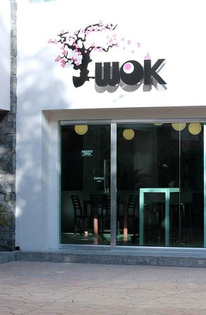 Just Wok: Sunny day at WOK