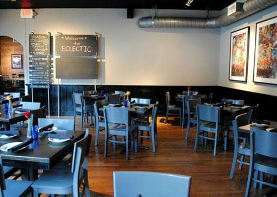 Eclectic Bistro & Bar: Dining Room