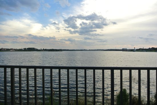 Westgate Lakes Resort & Spa: View of the lake