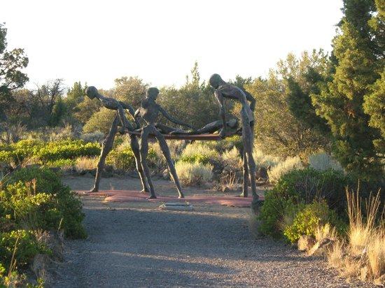 Living Memorial Sculpture Garden : nurses memorial