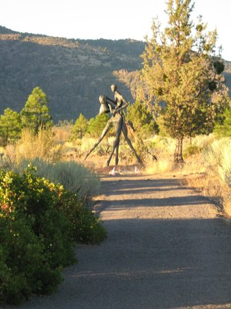 Living Memorial Sculpture Garden : coming home